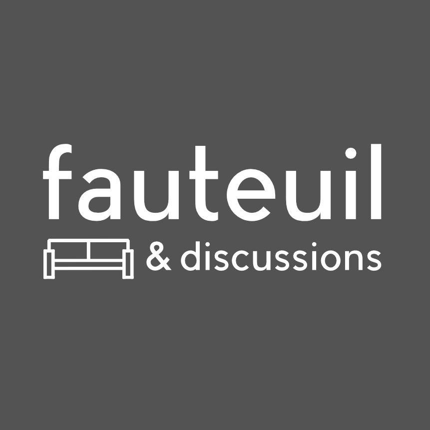 jeunes adultes eglise mosaique fauteuil et discussions